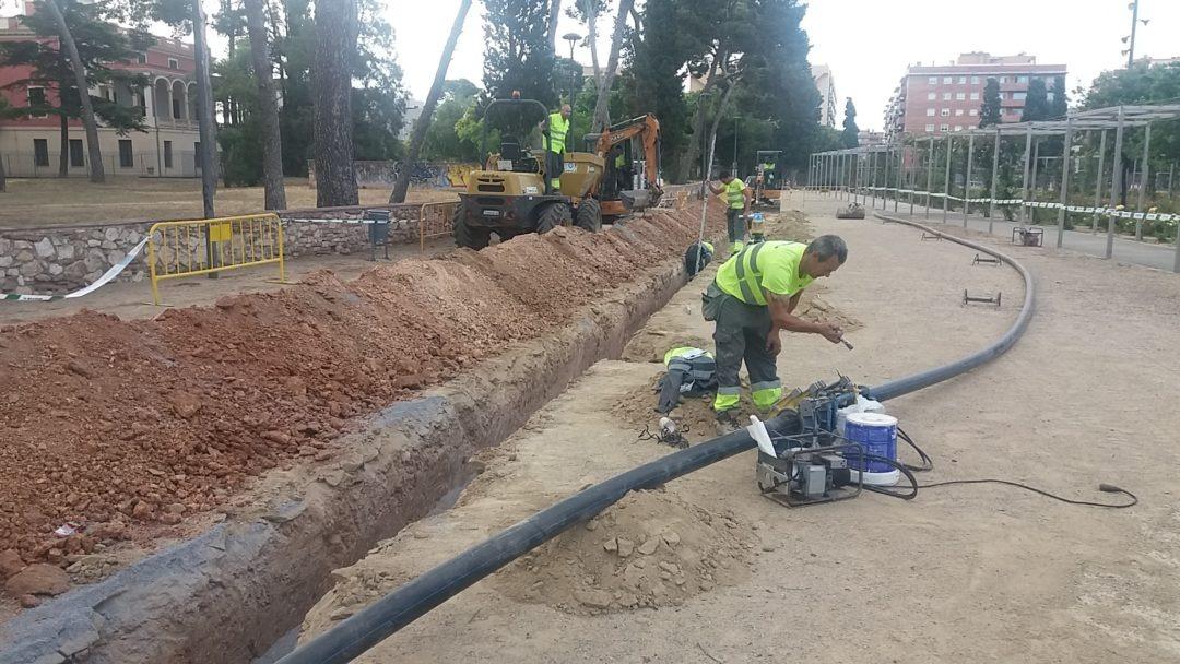 Canalización para red de riego de la Plaça Canal